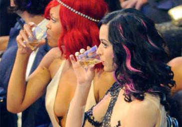 Rihanna uważa małżeństwo Katy za TOKSYCZNE!