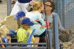 Gwyneth Paltrow spotyka się z byłym. To powód rozwodu? (FOTO)