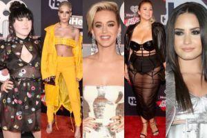 KOSZMARNE STYLIZACJE na gali iHeartRadio: Katy Perry, Demi Lovato, siostra Miley Cyrus... (ZDJĘCIA)