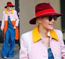 Rita Ora w szerokich spodniach w drodze do studia telewizyjnego