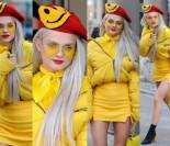 """Margaret SZUKA WIOSNY: W stylizacji """"na kurczaka"""" chwali się udem w siatce... (ZDJĘCIA)"""
