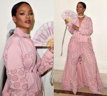 Rihanna promuje