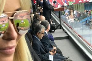 """Joanna Przetakiewicz """"pozuje"""" z Putinem (FOTO)"""