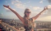 Paris Hilton bawi się na Kubie (GALERIA)