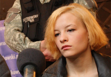 """Katarzyna W. """"jest agresywna"""" i """"MOGŁA RZUCIĆ CÓRKĄ""""!"""