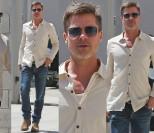 """Zabiedzony Brad Pitt spaceruje po Los Angeles. """"SCHUDŁ JUŻ 18 KILOGRAMÓW!"""" (ZDJĘCIA)"""