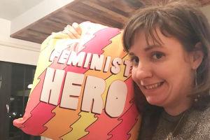 """Lena Dunham PRZEPRASZA za słowa: """"żałuję, że nie miałam aborcji""""..."""