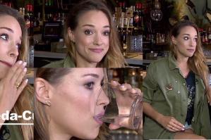 """Bachleda-Curuś zachwyca się Los Angeles w barze: """"Mój ulubiony drink to mezcal. To jest naprawdę coś wyjątkowego"""""""