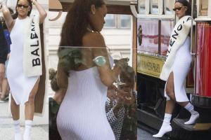 Rihanna jedzie tramwajem i pije szampana (ZDJĘCIA)