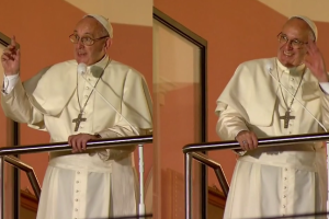 """Franciszek w oknie papieskim do pielgrzymów: """"Dobry wieczór!"""""""