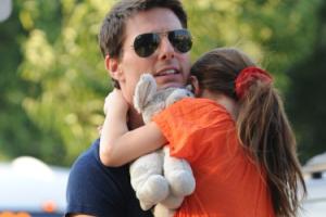 """Tom Cruise ODEJDZIE Z KOŚCIOŁA SCJENTOLOGICZNEGO?! """"Chce spotykać się z córką"""""""