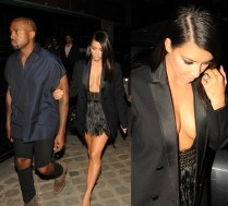 Dekolt Kim na Paris Fashion Week!
