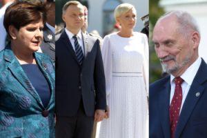 Beata Szydło, Dudowie i dumny Antoni Macierewicz podziwiają wojskową defiladę (ZDJĘCIA)