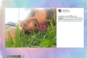 Edyta Herbuś pozuje na trawie