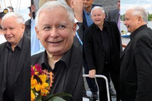 Szczęśliwy Jarosław Kaczyński w czerni zachwyca się statkami (ZDJĘCIA)