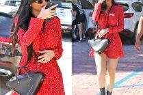 Kylie Jenner chwali się nogami i torebką od Balenciagi