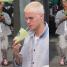 Bieber z MOKRYM KROCZEM spaceruje po Hollywood (ZDJĘCIA)