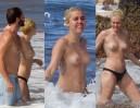 Miley Cyrus TOPLESS na Hawajach! (ZDJĘCIA)