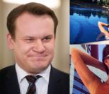 """Poseł PiS-u chwali się zdjęciami rozebranej żony w sieci: """"Moja Aga, rocznik '72, w formie"""""""