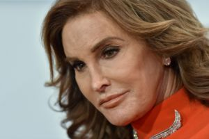 67-letnia Caitlyn Jenner zdecydowała się na kolejne operacje plastyczne...