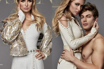Paris Hilton pozuje z półnagimi modelami