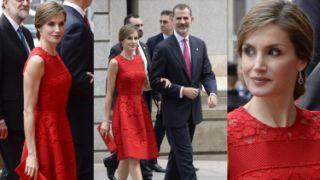 Elegancka Królowa Letizia w czerwonych koronkach. Ubiera się lepiej od Kate? (ZDJĘCIA)