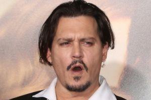 """Johnny Depp wydaje 2 miliony dolarów miesięcznie? """"Trzeba go chronić przed samym sobą"""""""