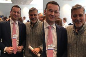 Minister Morawiecki ma zdjęcie z... Georgem Clooneyem! (FOTO)