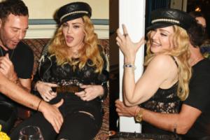 Fotograf dotyka Madonnę po kroczu... (ZDJĘCIA)