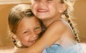 Gigi i Bella Hadid na zdjęciach z dzieciństwa