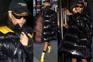 """Rihanna w """"dmuchanym worku na śmieci"""" idzie na zakupy do Harrods'a (ZDJĘCIA)"""