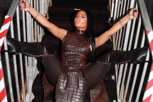 Nicki Minaj udaje krokodyla (FOTO)
