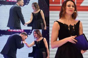 Wzruszona Anna Popek wręcza nagrodę Andrzejowi Dudzie (FOTO)