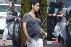 Zmęczona Mila Kunis w 8. miesiącu ciąży (FOTO)