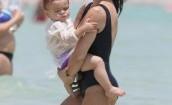 Kourtney Kardashian przyłapana na plaży