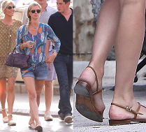 Ciężarna Nicky Hilton spaceruje po Saint-Tropez