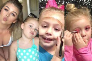 Amerykańska blogerka uczy swoją 5-letnią córkę… makijażu! (ZDJĘCIA)