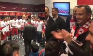 Andrzej Duda w szatni reprezentacji po meczu