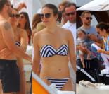 Anna Czartoryska w bikini na plaży (ZDJĘCIA)