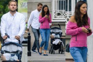 Czartoryska z Niemczyckim i synem na spacerze. Widać już brzuszek! (ZDJĘCIA)