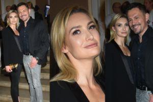 Krzysztof Ibisz z dziewczyną w teatrze (ZDJĘCIA)