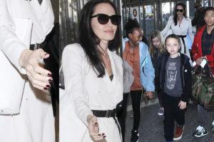 """""""Wychudzona"""" Angelina Jolie z dziećmi na lotnisku. """"Dłonie jak u kościotrupa!"""" (ZDJĘCIA)"""