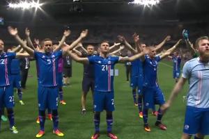 Islandczycy świętują na boisku zwycięstwo z Anglią!