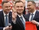 Andrzej Duda ściska, całuje i wiwatuje na zjeździe Klubów Gazety Polskiej (ZDJĘCIA)