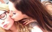 Lana Del Rey całuje fanów (GALERIA)