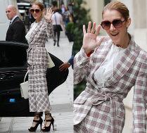 Celine Dion w garniturze w kratę