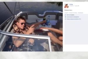 "Kukulski bawi się na łódce. ""Weekend time"""